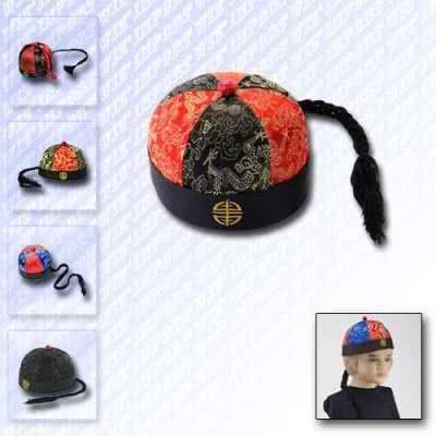 Chapeau mandarin en tissu avec natte